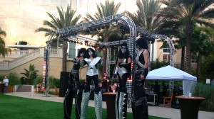 HDI 2014 Kiss Stilt Walkers